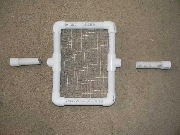 استفاده از توری و لوله برای ساخت شانه جوجه کشی - فروشگاه چیکن هچ